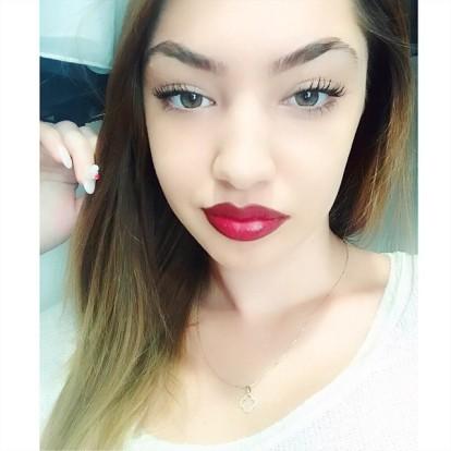 Albanian Beauty - Anida Curri